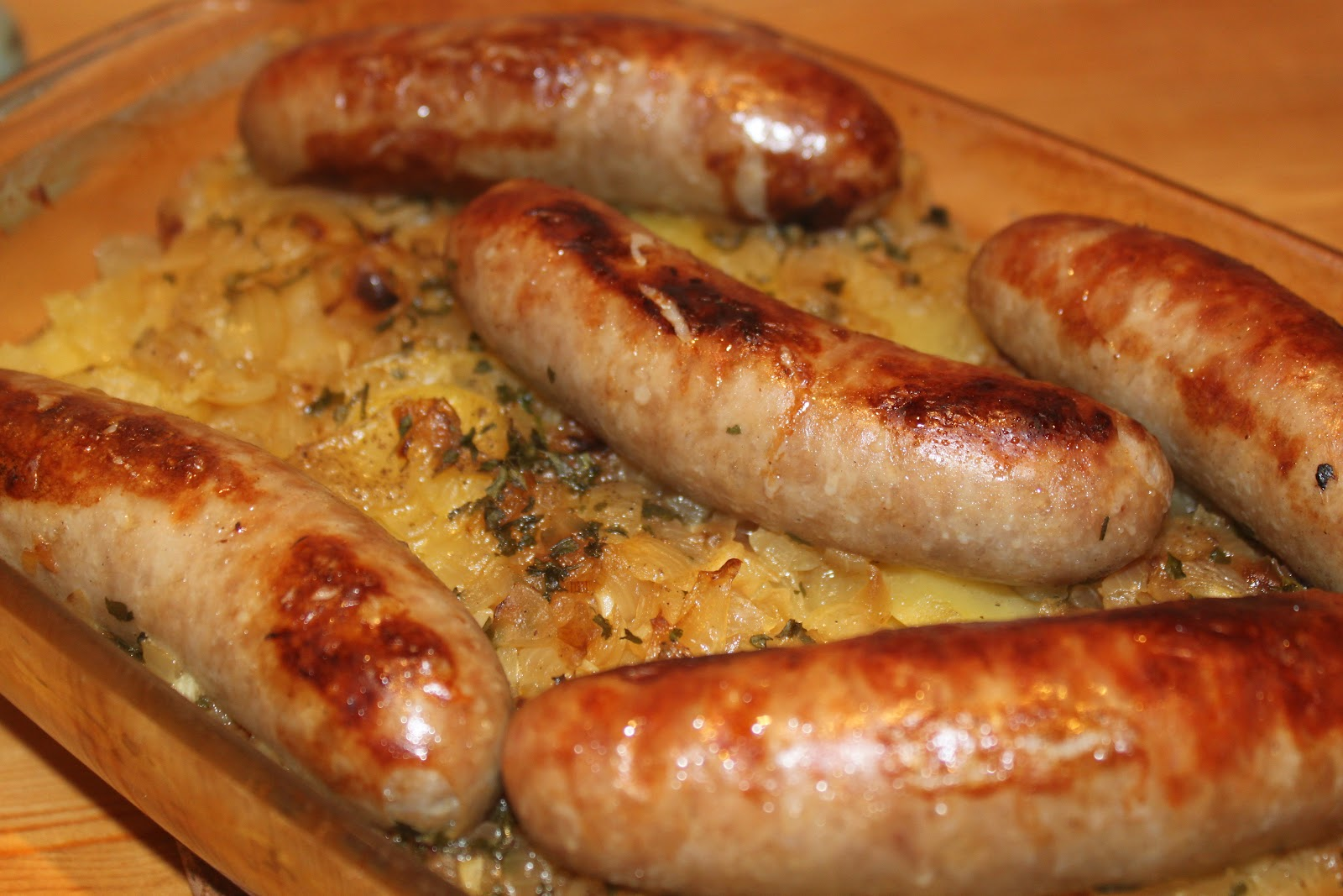 Tales of a Garlic and Onion Lover: Potato and Sausage Casserole
