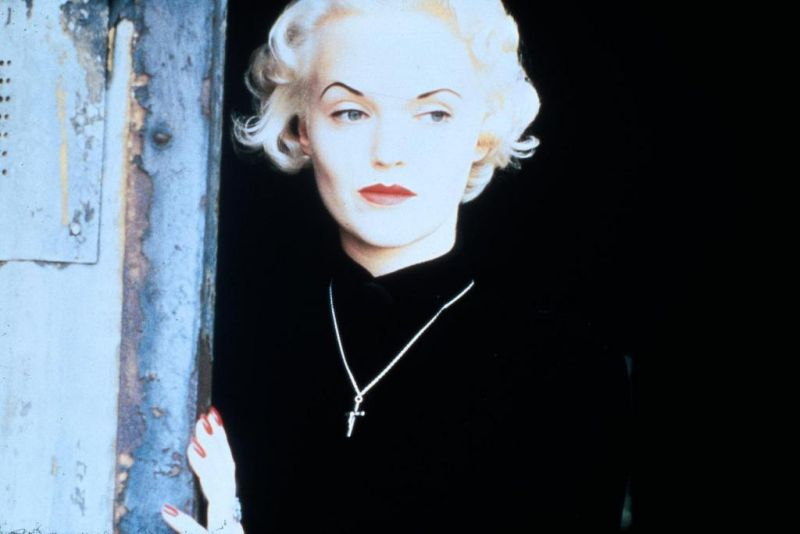 I due volti di una donna: Ruth Ellis e Miranda Richardson.