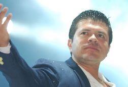 SE BURLAN DE JORGE MEDINA POR CONFUNDIR NACIONALIDAD DE MIGUEL HIDALGO