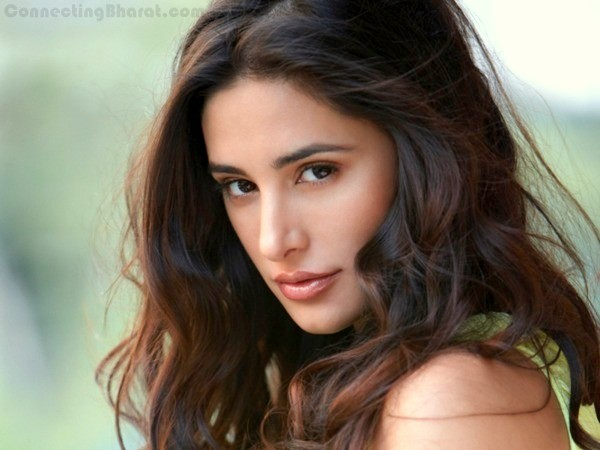 Hot Sexy Nargis Fakhri in Madras Cafe movie along with John Abraham