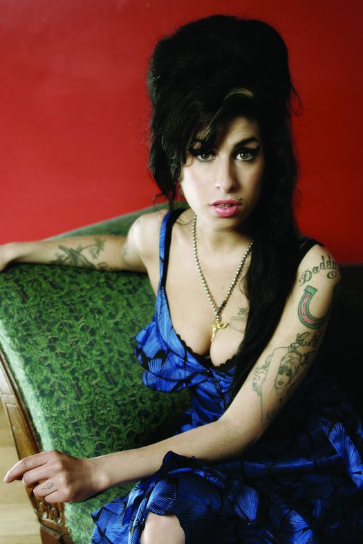 [Image: Amy_Winehouse_0023.jpg]