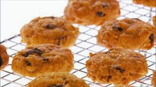 Spiced Pumpkin-Raisin Cookies