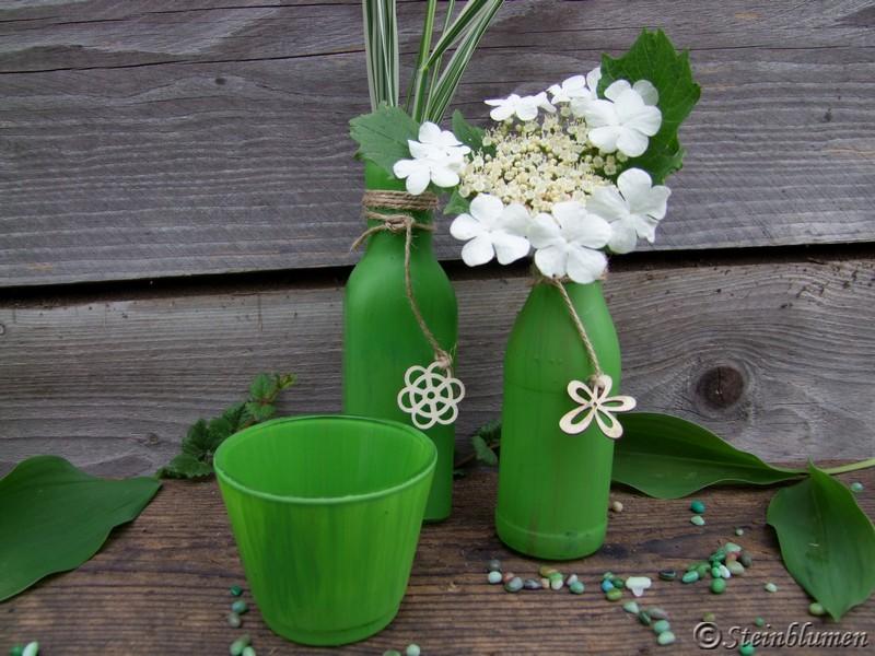 gruene Vasen Tischdeko