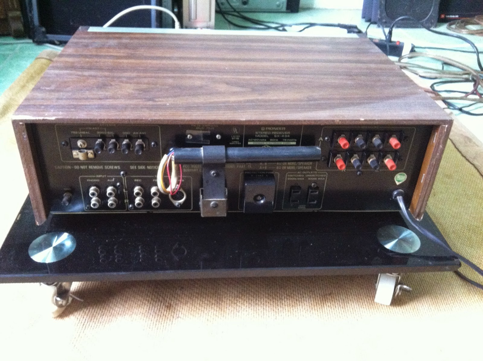 Mặt sau Amply Pioneer SX434
