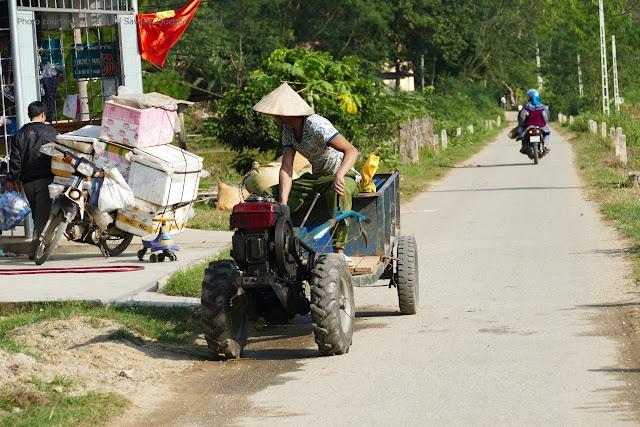 Khám phá chợ phiên Bắc Hà và đường quê tây bắc