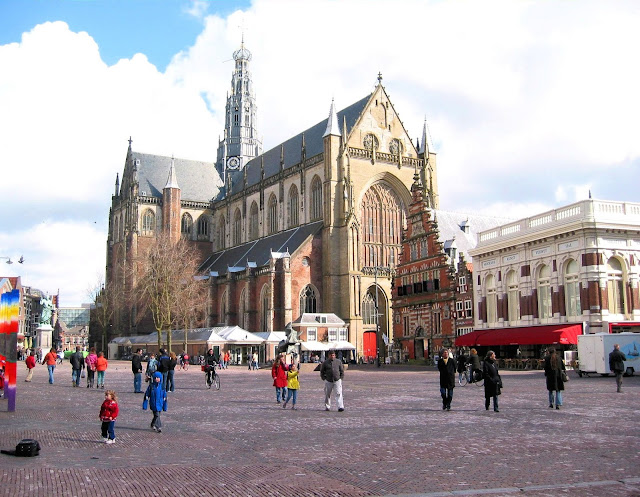 The Grote Kerk or Sint Bavokerk Protestant Church in Haarlem, The Netherlands. Photo: WikiMedia.org.