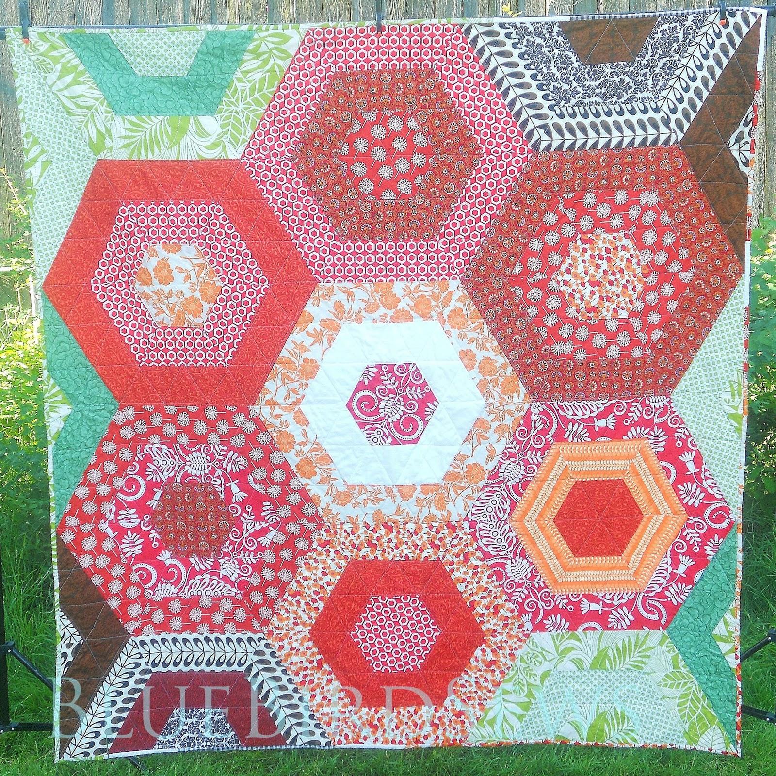 Blue Bird Sews: Hexagon Flower Garden Quilt: A Finish : finishing a hexagon quilt - Adamdwight.com