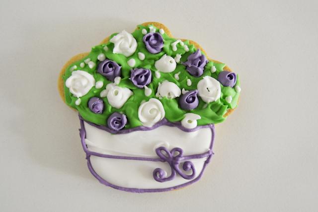 galleta de centro de flores de glasa 2