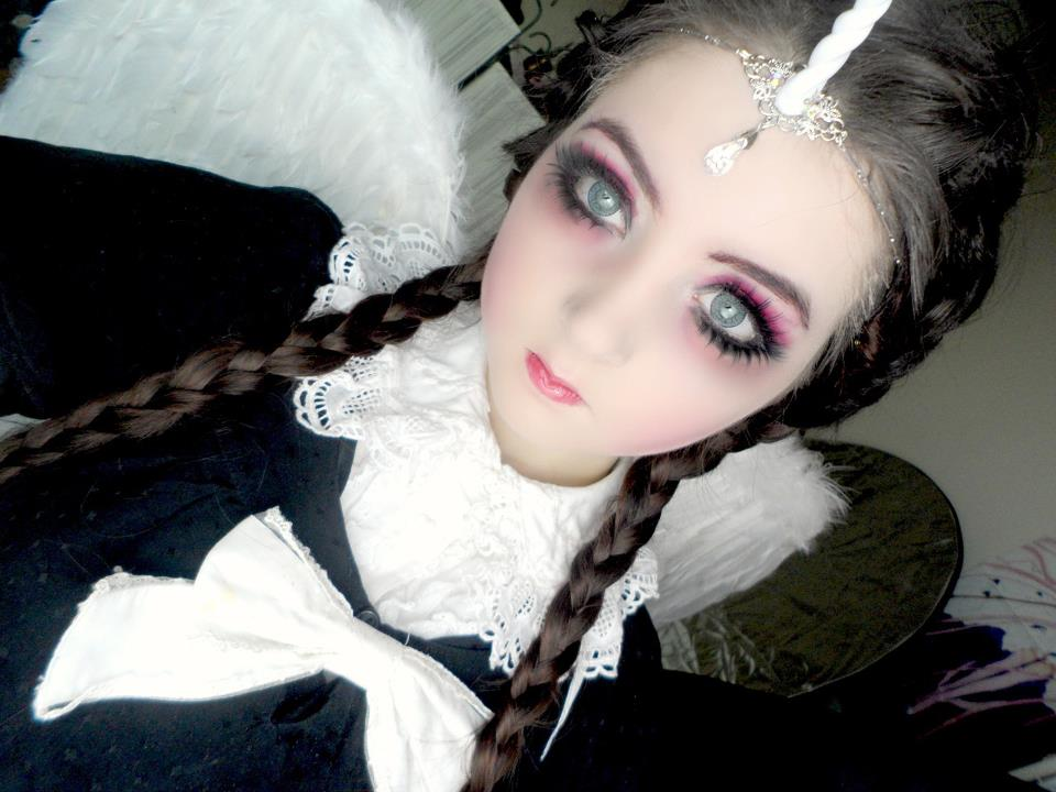 """Venus Angelic has here created a look of """"Angel of Darkness"""". Get Angelic eyes with GEO Berry Vivid Blue circle lenses"""