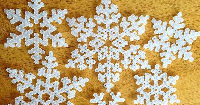 pärlplatta snöflinga mönster