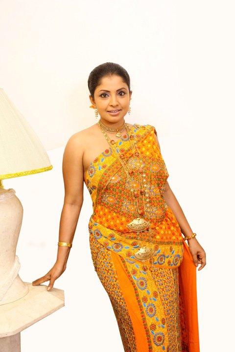 Srilankan Models & Actresses: Sinhala film actress Dilhani ...