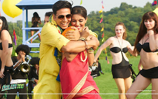 Khiladi 786 HD Wallpaper Starring Akshay Kumar, Hot Asin Lonely Song