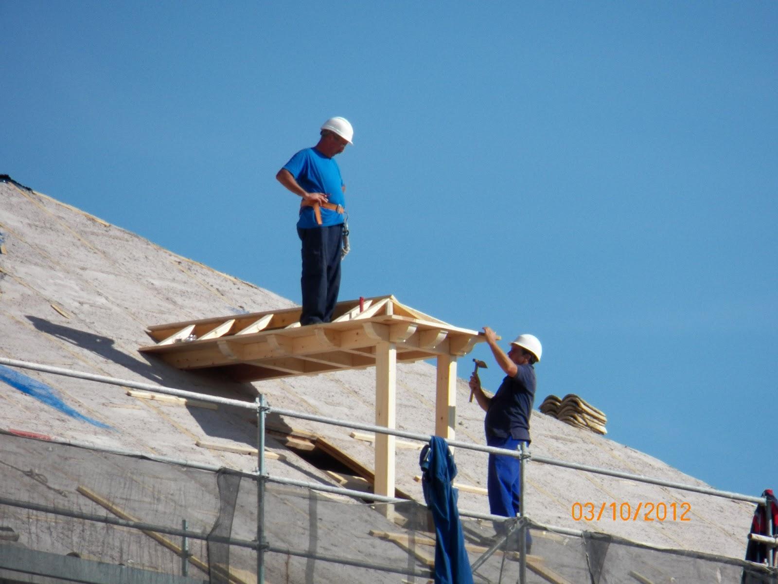 Todo tembleque obras de la restauraci n de la iglesia for Tejados de madera construccion