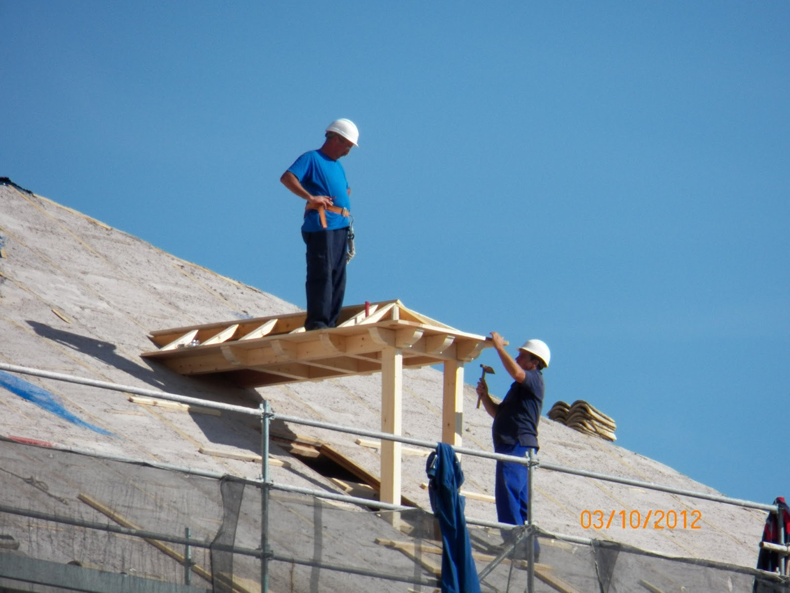 Todo tembleque obras de la restauraci n de la iglesia for Restauracion tejados de madera