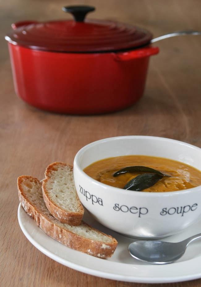 huis, tuin en keukenvertier: pompoensoep van jamie oliver
