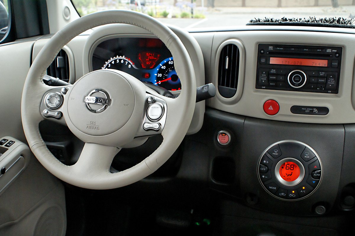 Car speed power nissan cube for Cube interiors
