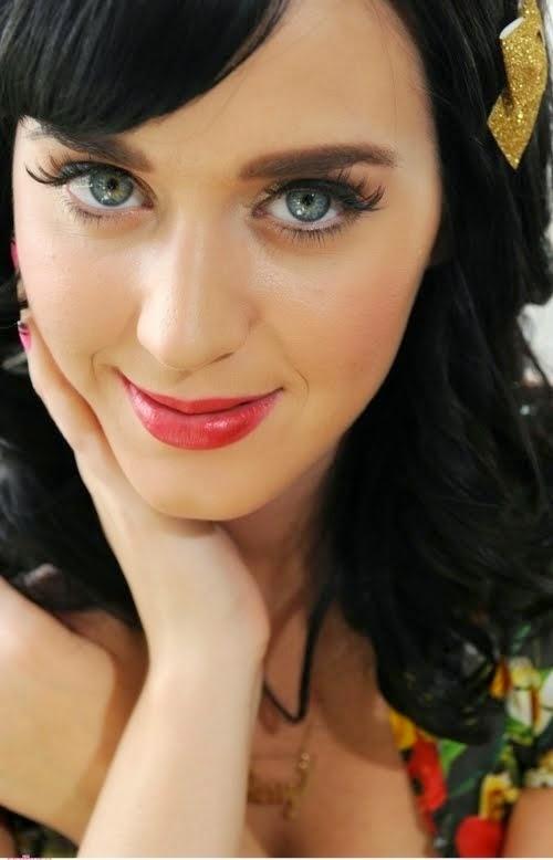 Best 25  Brunette blue eyes ideas on Pinterest
