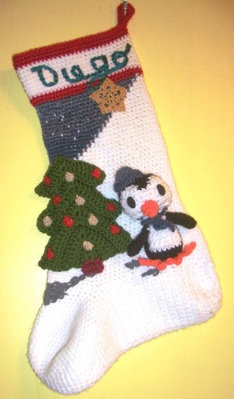 Make your own crochet Christmas stocking by working up any of these patterns. Hang them above the fireplace, or make mini ones as ornaments to hang on the tree.