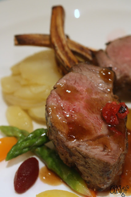 Main of gluten free rack of lamb with seasonal vegetables | Anyonita-nibbles.co.uk