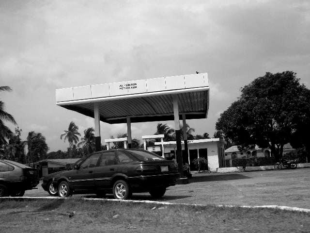 CA -petrol station- LAGOS / NIGERIA