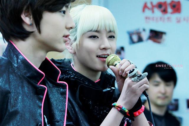 [Pic][06.04.12] - Nu'est (REN)- Busan Synanara Fansign Event 58