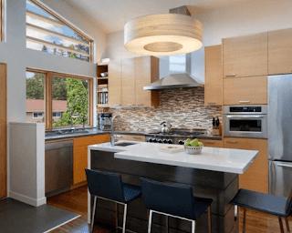 Meskipun tempat memasak itu hanya berupa dapur sederhana, bukan alasan untuk bisa terlihat seperti gudang yang berantakan