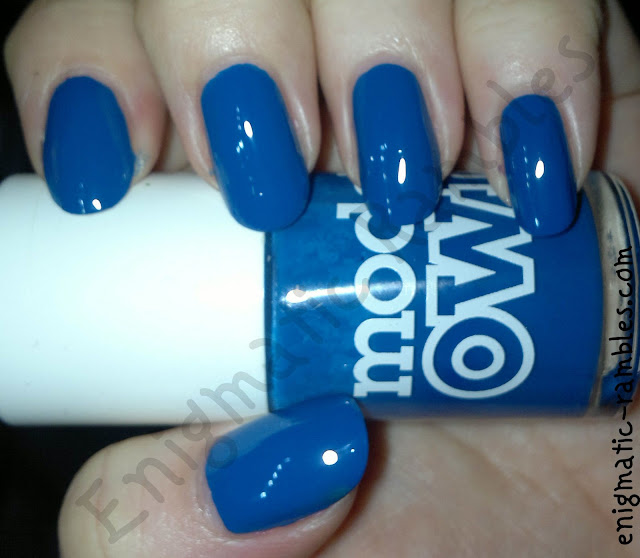 models-own-true-blue-swatch