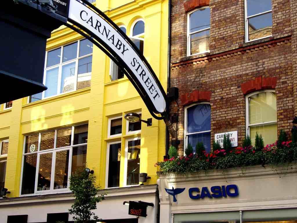 http://3.bp.blogspot.com/-0gid4rGgVC8/UIWiN4gH60I/AAAAAAAAAFc/vFw2Fhih0qs/s1600/Carnaby_Street_-_London_Wallpaper_1k9gm.jpg