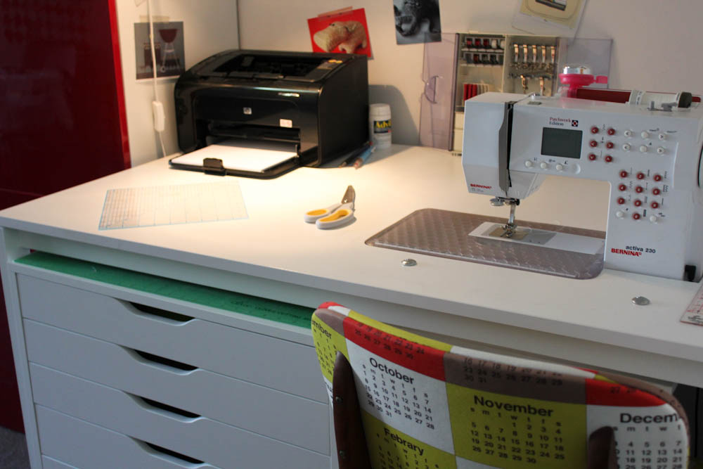 Make Your Own Sewing Desk Tutorial Badskirt Unique How To Set Up A Sewing Machine Table