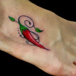 Tatuagens de Pimenta no Pé