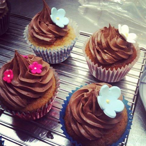 Cupcakes au chocolat et déco fleur