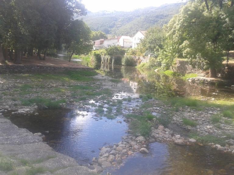 Agua limpa do Rio Alva
