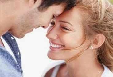 5 مواضع لم تتوقعيها لإثارة الزوج