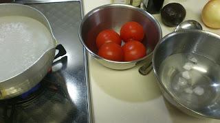 出張料理:トマトの湯むき