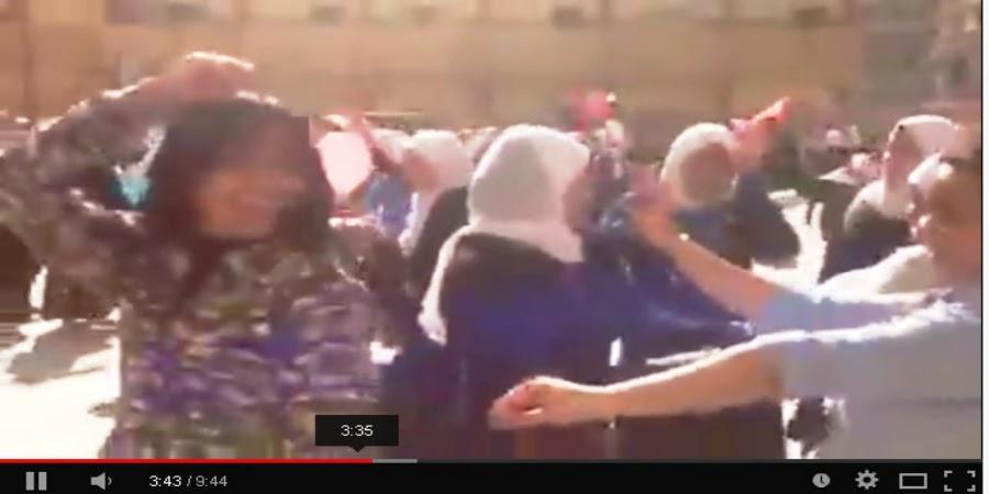 خبر :      تعليقات على إحياء رشدي الصناعية بنات يوم في حب مصر ... بالرقص