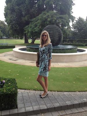 BCBG, wrap dress, Diane von Furstenberg, bcbg wrap dress, bcbg dress, french sole, black and white flats, ballet flats