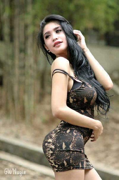 Berkesempatan Untuk Memotret Model Seksi Dan Hot Bibie Julius Adalah Hal Yang Menyenangkan Tampil Cantik Dengan Full Make Up Dibalut Dress Berwarna Hitam