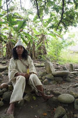 Mamo kogui Colombia de una / Toya Viudes