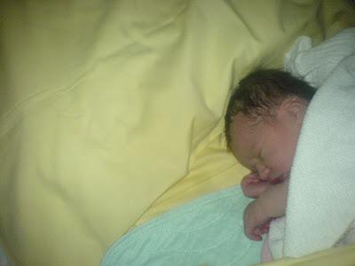 Mein Baby drei Stunden nach der Geburt - enttäuscht von der Welt?
