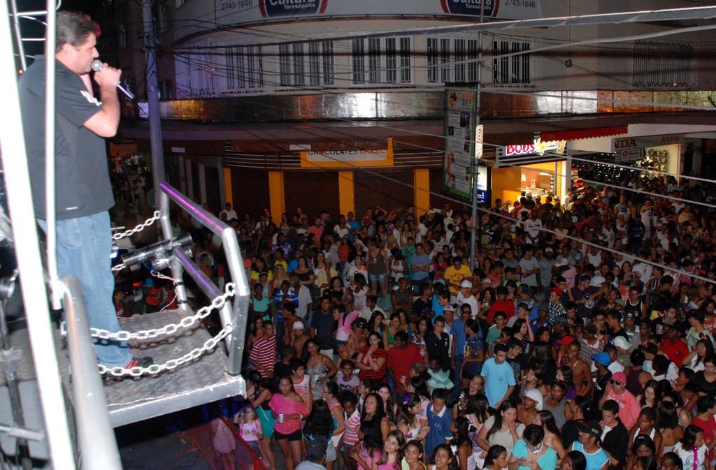 Prefeito Arlei anuncia, no Parque Regadas, a vinda de artistas famosos para o Aniversário da Cidade e a Feport