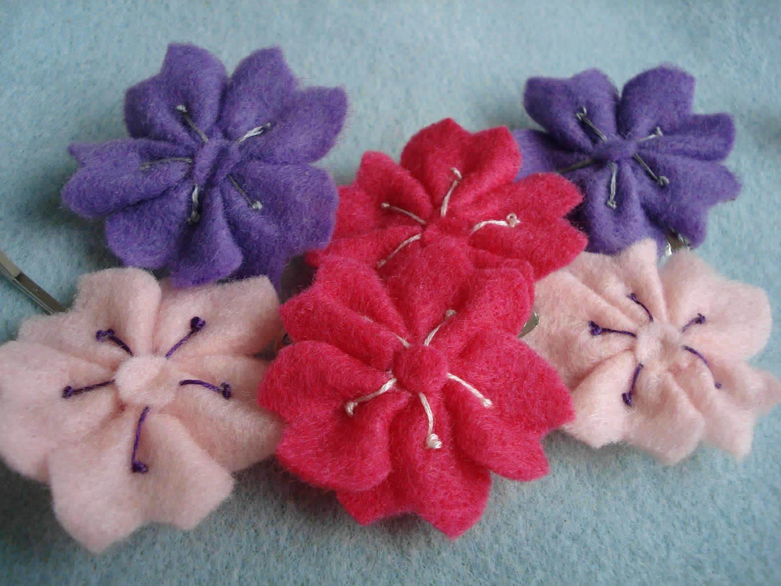 Little felt sakura flowers... | My stuff, my life