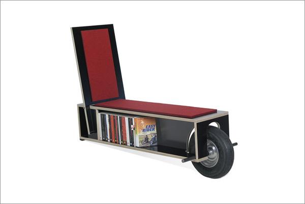 Moderna librería portátil para casas con poco espacio