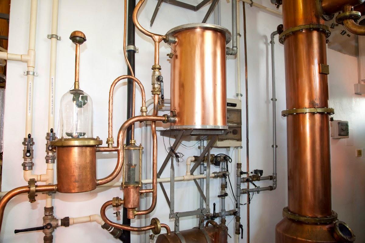 di grappe e distillati spiritosi