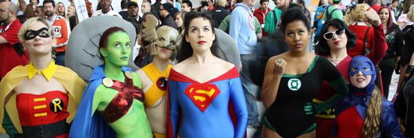 super heroines babes supergirl