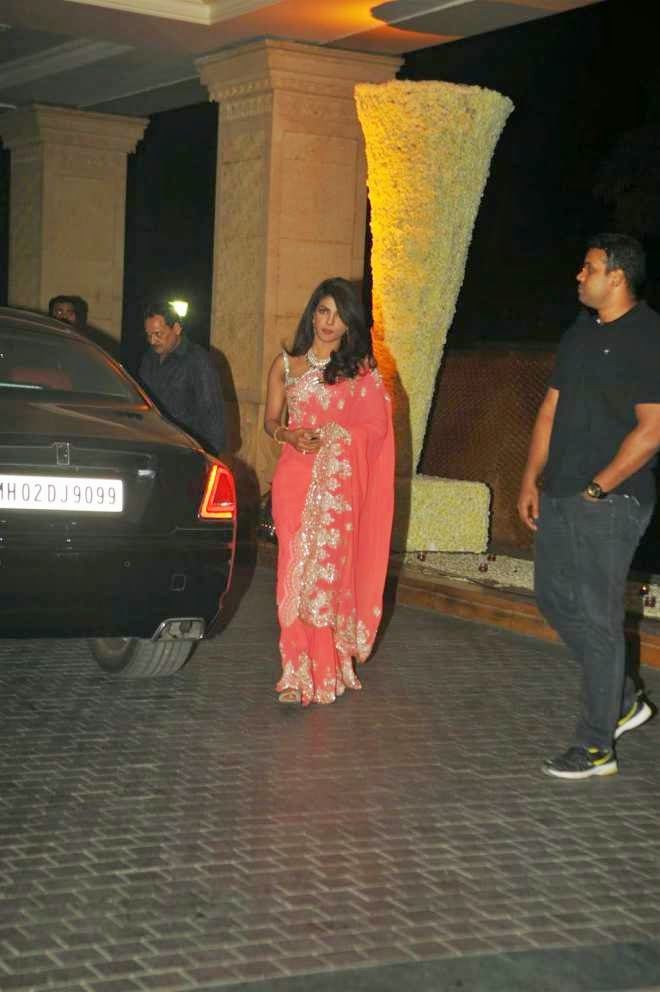 priyanka chopra in saree at manish malhotra niece riddhi malhotra wedding reception photo