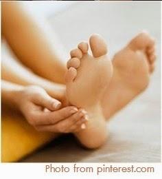 ส้นเท้าเริ่มแตกลาย หนังเท้าแข็ง เล็บเท้าเริ่มออกสีเหลือง แนะนำสูตรนี้เลยจ้า