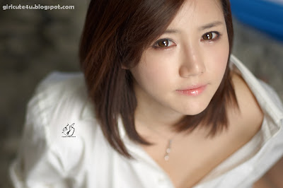 Han-Ga-Eun-Fur-Rug-01-very cute asian girl-girlcute4u.blogspot.com