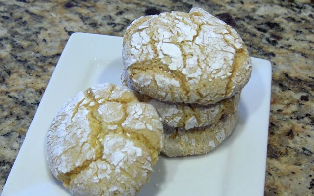 Becky Bakes, and cooks too!: Lemon Cool Whip Cookies