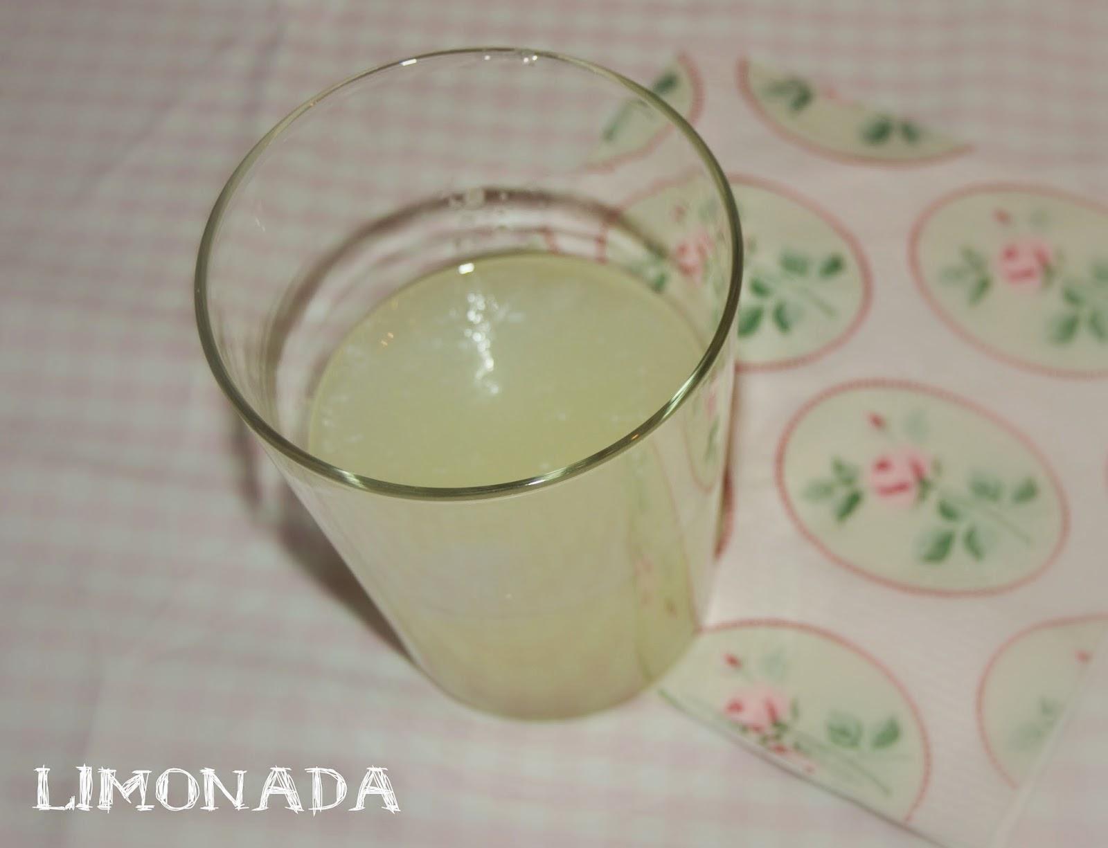 bebida refrescante limonada