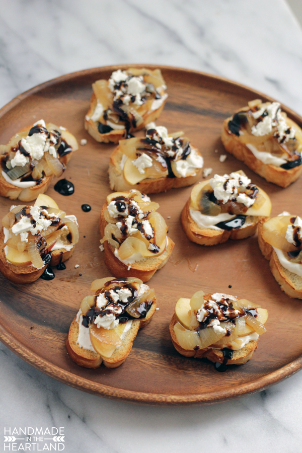 AE-French-Onion-Crostini.png
